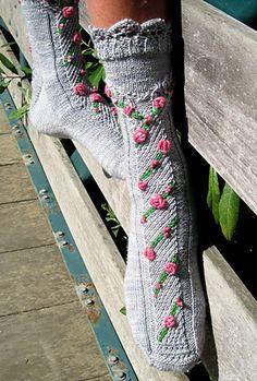 Bridge of Roses pattern by Wendy Gaal
