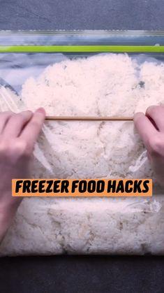 Freezer Hacks, Freezer Cooking, Freezer Meals, Cooking Hacks, Food Hacks, Cooking Recipes, Food Tips, Diy Food, Do It Yourself Videos