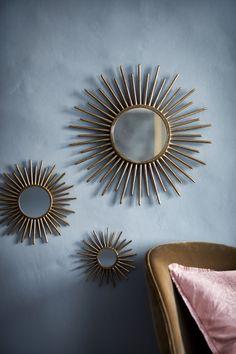 Large, round mirror with an embossed metal frame. Diameter of mirror 21 cm, diameter of frame approx.Round mirror - Gold-coloured - Home AllRonde spiegel - Goudkleurig - HOMERund spegel - Guld - Home AllRundt speil - Gull - Home All Gold Wall Decor, Metal Wall Decor, Gold Wall Mirror, Decorative Wall Mirrors, Hm Deco, Spiegel Gold, Living Room Mirrors, Sunburst Mirror, Gold Bedroom