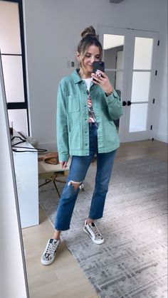 I love the variety of outfits that I can pair together with some staple pieces from target. I am all about affordable fashion- you can still look SUPER cute without breakinf the bank. Here ks this cute oversized green button down jacket. I paired with a basic graphic tee and some boufriend heans. Splurge a little here with your favorite sneakers! Green Button, Staple Pieces, Affordable Fashion, Graphic Tees, Target, Super Cute, Pairs, My Love, Sneakers