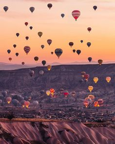 Hot air balloons flying over Cappadocia -Turkey // Photography by _ K T I A c ., Travel the world, Nature Photography, Travel Photography, Photography Training, Capadocia, Travel Wallpaper, Iphone Wallpaper Books, Turkey Travel, Jolie Photo, Travel Aesthetic