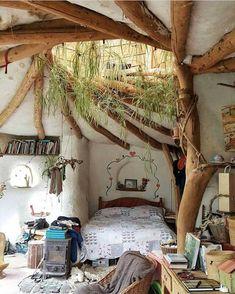 Home Interior Design — Cozy place at Pembrokeshire coast. Home Interior Design — Cozy place at Pembrokeshire coast. Maison Earthship, Earthship Home, Earthship Design, Earth Homes, Cozy Place, Aesthetic Rooms, Dream Rooms, Cozy House, Cozy Cabin
