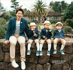 Rie, Filipino, USA Mostly for the cuties Song Triplets. Cute Kids, Cute Babies, Song Il Gook, Triplet Babies, Superman Kids, Man Se, Song Triplets, Song Daehan, Korean Shows