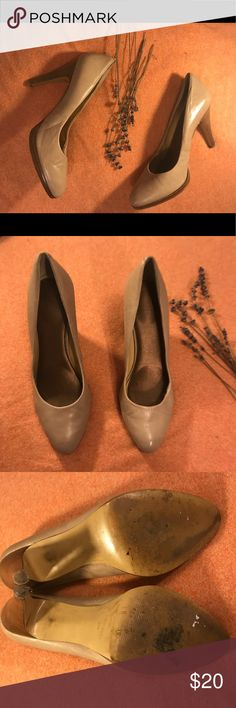 """Beige Nine West Heels Beige 'Nine West' Heels, Size 8.5. 3.75"""" heel. Leather upper, with wooden style heels. The heels have brown marks on the back of the shoes, and wear on the bottom of the right heel - noted in photos. Nine West Shoes Heels"""