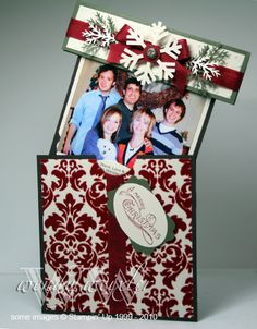 Great Christmas card idea! I want to do this for our Christmas card