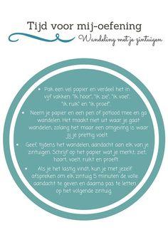 We zijn vaak enorm veel bezig in ons hoofd. Met deze oefening kun je je hoofd even helemaal leegmaken. Deze oefening helpt je om weer contact te maken met je lichaam en je zintuigen, om weer bij jezelf te komen. Dit kan bijvoorbeeld heel fijn zijn na een drukke werkdag, na een lastig gesprek of juist om je dag mee te beginnen!