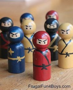 Wooden Peg Ninjas - How fun are these?  The post has several ideas for creative ways to play with them.