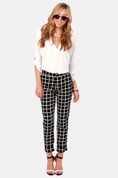 Plaid cropped pants. In this season and love. Anything that reminds me of the 90's :)