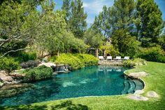 Pool Landscape Design, Pond Design, Garden Design, Design Design, Swimming Pool Designs, Swimming Pools, Lap Pools, Indoor Pools, Natural Swimming Ponds