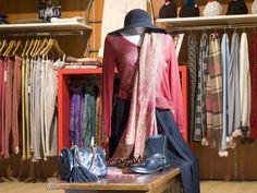 f0d81415dc1 Boutique Saint-Clair Elne propose des vêtements de marques pour femmes et  hommes au centre commercial Epicentre (® networld-Bruno Aguje)