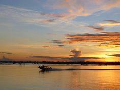 Que tal um belo fim de tarde? O município de Autazes, no Amazonas oferece esse tipo de epetáculo aos seus visitantes. #mtur #Brasil #turismo #amazonas #belezasdobrasil #conheçaobrasil #viajepelobrasil  Foto: Debora Bacuri