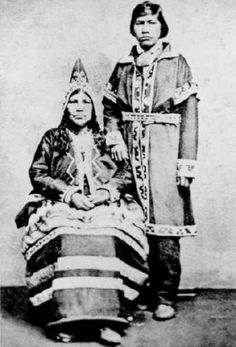 Mi'kmaq People, 1865 The Mí'kmaq are a First Nations people, indigenous to the northeastern region of New England, Canada's Atlantic Provinces, and the Gaspé Peninsula of Quebec. They called this. Native American Photos, Native American Tribes, Native American History, American Indians, Native Americans, American Symbols, American Women, First Nations, Canada