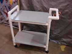 DIY - PVC Caddy: Create a durable, weather and element proof caddy for crafts, tools or for food serving poolside. Uses Caster Fitting Inserts to attach casters Pvc Pipe Crafts, Pvc Pipe Projects, Diy Projects To Try, Home Projects, Project Ideas, Pvc Furniture, Utility Cart, Ideias Diy, Home Organization