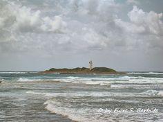 https://flic.kr/p/ezcEFm   Castellabate (SA), 2013, Punta Licosa e l'isola Licosa.   Wikipedia: Castellabate  Wikipedia: Licosa.