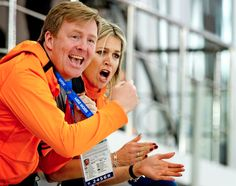 After Sven Kramer, a second golden Dutch ice skating medal for Irene Wust at the Winter Olympics and what great support they got from our King and Queen! Olympic Medals, Olympic Games, New York Times, Sven Kramer, Winter Olympics 2014, Speed Skates, Dutch Royalty, Winter Cardigan, Netherlands