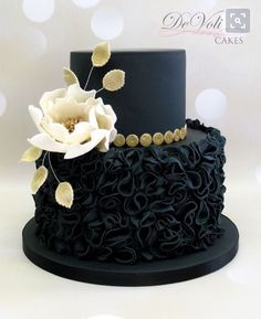 Elegant Picture of Black Birthday Cake Black Birthday Cake Magnifique Demoiselle Decorating Cakes Amazing Wedding In 2019 cake decorating recipes kuchen kindergeburtstag cakes ideas Gorgeous Cakes, Pretty Cakes, Cute Cakes, Amazing Cakes, Unique Cakes, Elegant Cakes, Creative Cakes, Fondant Cakes, Cupcake Cakes