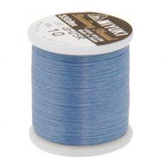 Fil nylon Miyuki 0,25mm bleu clair (x50m)  Référence 8413-10 Bobine de 50 mètres de fil nylon monofilament, de la marque Miyuki, couleur bleu clair (code couleur 10) épaisseur 0,25mm (size B) Très résistant, ce fil Miyuki de qualité convient parfaitement pour tisser des perles.