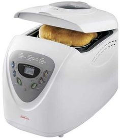 Sunbeam 5891 Programmable Breadmaker, White - Want to come home to the smell of fresh bread in the evening Our breadmakers make many types of bread at the touch of a button. Bread Machine Reviews, Best Bread Machine, Baking Pans, Bread Baking, Cooking Bread, Cooking 101, Cooking Recipes, Healthy Recipes, Robot Boulanger