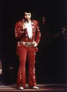 April 10, 1972: Elvis performed at the Richmond Coliseum in Richmond, Virginia.