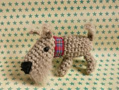 Little Dog - Free Amigurumi Pattern here: http://amigurumibarmy.blogspot.com.es/2014/12/advent-calender-day-22.html