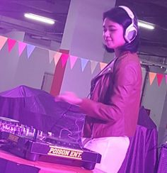 NOW SHOWING DJ Frita Fello at Poison Markt Carnival @lippoplazajogja_official  next : BRAVES BOY rapatkan barisan kita berdansa