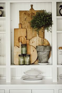 to add fall decor, 3 Simple Steps To Add Fall Decor To Your Home Decor Styles Chic Decor Styles Toilets Decor Styles Industrial Decor Styles Interior Decor Styles Scandinavian Modern Fall Decor, Fall Home Decor, Autumn Home, Diy Home Decor, Room Decor, Buy Decor, Wood Home Decor, Classic Kitchen, Deco Nature