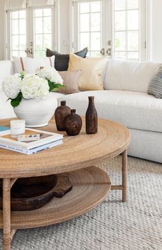 How to Style a round coffee table - tips and tricks from Studio Mcgee Coffee Tables decor Hacks for Round Coffee Table Styling Coffee Table Styling, Diy Coffee Table, Decorating Coffee Tables, Coffee Table Design, How To Style Coffee Table, Cofee Tables, Coffee Table Vignettes, Studio Mcgee, Quirky Home Decor