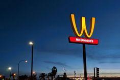 Marketing Tips: Γιατί τα McDonald's αναποδογύρισαν το λογότυπό του...