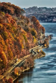 along the Hudson River near Poughkeepsie, Hudson State Park, New York, USA. New York Travel, Travel Usa, Places To Travel, Places To See, Walkway Over The Hudson, Hudson River, Hudson Valley, Destinations, Upstate New York