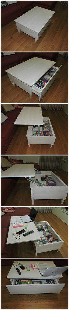 Tavolino da caffè con ripiano mobile apertura a scorrimento orizzontale in legno faggio. Completo di cassetto porta CD/DVD.