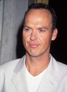 "Michael Keaton(Coraopolis, Pennsylvania) Height: 5' 9"" (1.75 m)"