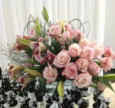 Passo a Passo de como fazer um Arranjo de Flores - Exemplo Arranjo de Rosas e Lírios www.clubenoivas.com