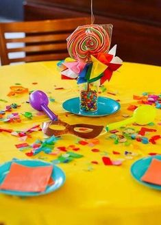 The ideas for carnival decoration are creative, modern and seek to capture the mood of revelry in every way. The decorative elements that enhance the date Carnival Cupcakes, Carnival Decorations, Birthday Decorations, Baby Shower Decorations, Polka Dot Curtains, Transparent Balloons, Edible Glitter, Confetti Balloons, Hanging Ornaments