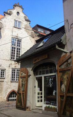 Vecrīga | Старая Рига | : la porta svedese con l'abitazione del boia