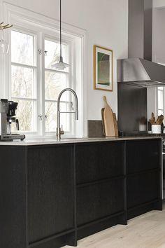 Moduler Kitchen, Nordic Kitchen, Scandinavian Kitchen, Kitchen Design, Scandinavian Design, Shaker Kitchen, Black Kitchens, Cool Kitchens, Kitchen Black