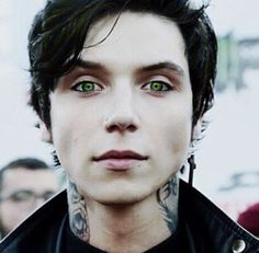 Woah. Andy with green eyes?