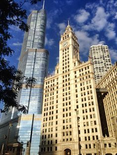 I really enjoy the juxtaposition of modern and old #architecture in #Chicago.