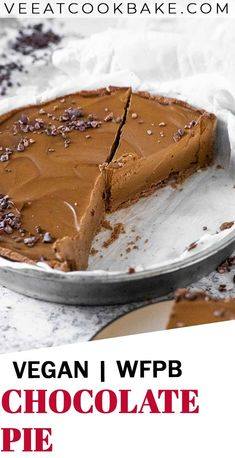 Learn how to make a creamy and decadent, chocolatey vegan chocolate pie with whole food plant based ingredients. This plant based chocolate pie is oil free, refined sugar free. A great recipe for your next vegan dessert idea. Christmas dessert idea. Christmas food ideas. #vegandessert #veganchocolate #veganchocolatepie #wfpb #healthypie #sugarfree Chocolate Filling, Chocolate Pies, Sugar Free Chocolate, Chocolate Cream, Vegan Chocolate, Melting Chocolate, Great Desserts, Vegan Dessert Recipes, Christmas Desserts