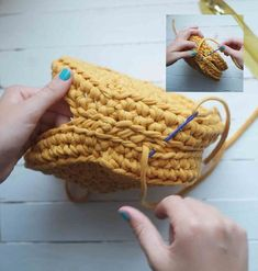 Crochet Handbags Have fun crocheting this wonderful handbag! - Have fun crocheting this wonderful handbag! Handbag Tutorial, Diy Handbag, Crochet Handbags, Crochet Purses, Crochet Round, Crochet Yarn, Crochet Pattern, Yarn Bag, Crochet Shell Stitch