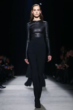 Long and lean was the order of the day for Narcisco Rodriguez. The designer's minimalistic universe continues to expand, this time to include sexy jumpsuits, sensual swing coats and some fantastic ...