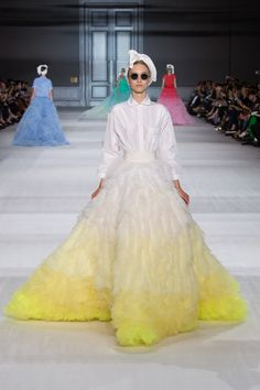 Giambattista Valli  - Fall/Winter 2014-2015 - Vogue