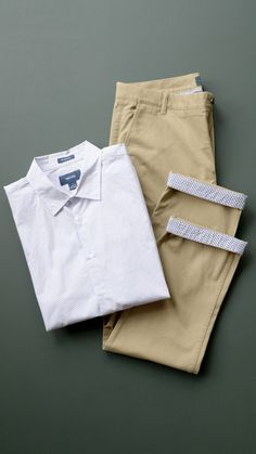The Sunday outfit from Taylrd Clothing Old Man Fashion, Mens Fashion, Fashion Tips, Mens Chino Pants, Khaki Pants, Sunday Outfits, Men's Outfits, Men Photoshoot, Groom Outfit
