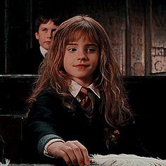 Harry James Potter, Harry Potter Girl, Mundo Harry Potter, Harry Potter Icons, Harry Potter Tumblr, Harry Potter Hermione, Harry Potter Pictures, Harry Potter Characters, Hermione Granger