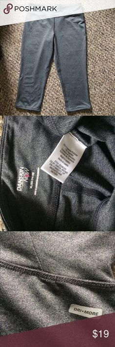 Nwot Danskin Dri-More  spandex workout leggings Short length nwot dark gray Danskin Now Dri-More poly spandex stretch workout leggings size 14/16 large flattering fit and lightweight no damage an excellent pair for any workout class or running days Danskin Now Pants Leggings