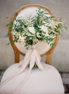 When it comes to your wedding day style, it never hurts to add a little Grecian goddess vibe into the mix. Want to see how it's done? White Ribbon Boutique Events and Vasia Photography have you totally covered. Along with Nice Plume and an entire team
