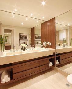Madeira espelho e muito Led combinação perfeita Foto: não autoral ARCHITECTURE | INTERIORS | BATHROOM
