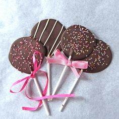 These chocolate lollipops are great for the children to help out with. You can decorate them in lots of ways with sprinkles, more melted chocolate or chopped dried fruit. A great gift idea for Easter. Try also making them with white chocolate if you prefer.
