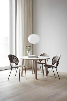 Taro Table Desiged By Jasper Morrison. Wood: Oak Soap. Trinidad Chair  Designed By