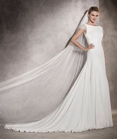 Ana - Flared wedding dress in crepe and tulle with gemstone details