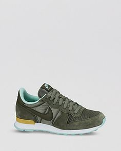8066e97b3c1 Nike Lace Up Running Sneakers - Women s Internationalist Jogger in Iron  Green Size 8.5
